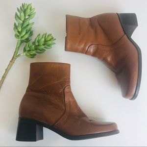 Naturalizer Light Brown Leather Boots